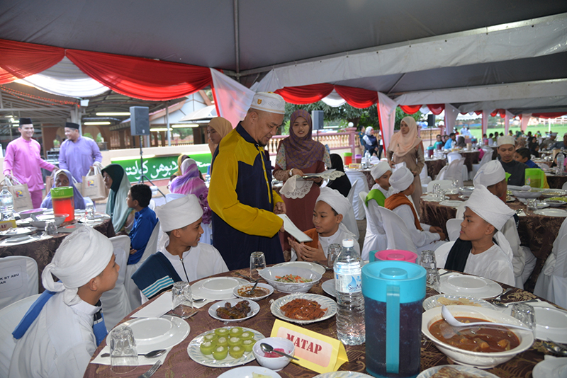 Buka Puasa Children Table